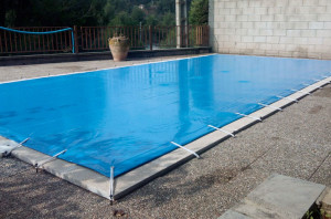 toldos-egara-cobertes-piscines-01