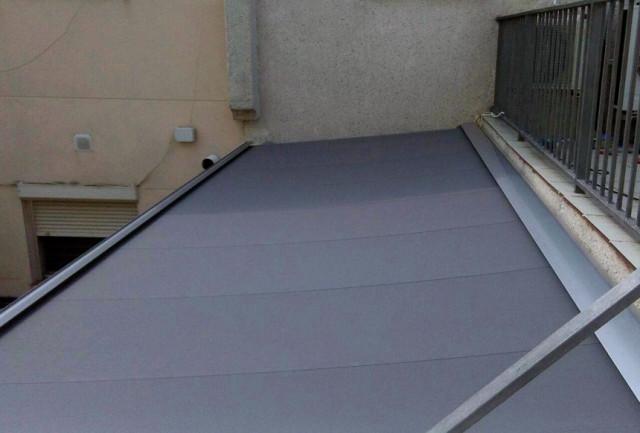 Los toldos veranda y la protección de los techos de vidrio