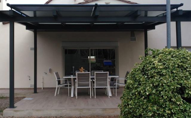 Instal·lació de tendals tipus veranda, sobre vidre: innovant!