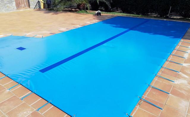 Las cubiertas de piscina: compromiso ambiental, seguridad y ahorro